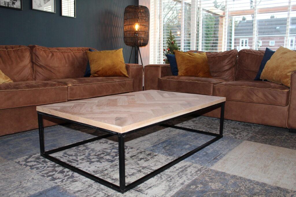 Kiedan Design visgraat eiken hout staal maatwerk meubel tafel Helmond babyshark