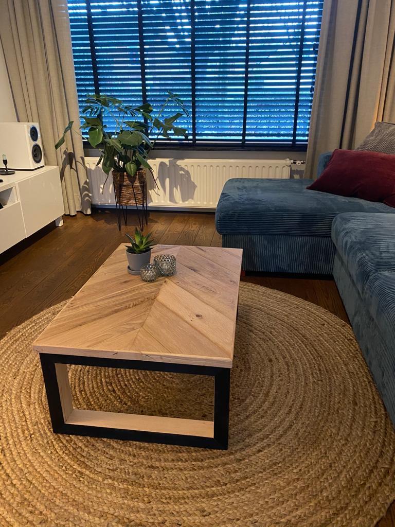 Kiedan Design visgraat tafel eiken hout Helmond ambacht maatwerk meubel Helmond